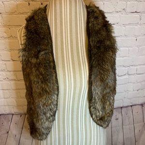 Arias faux fur sweater vest, M